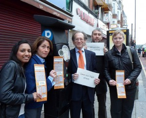 Local resident Asha Kaur, Cllr Katherine Reece, Cllr David Schmitz, Cllr Richard Wilson and Cllr Karen Alexander campaigning for 30 minutes of free parking on local High Streets